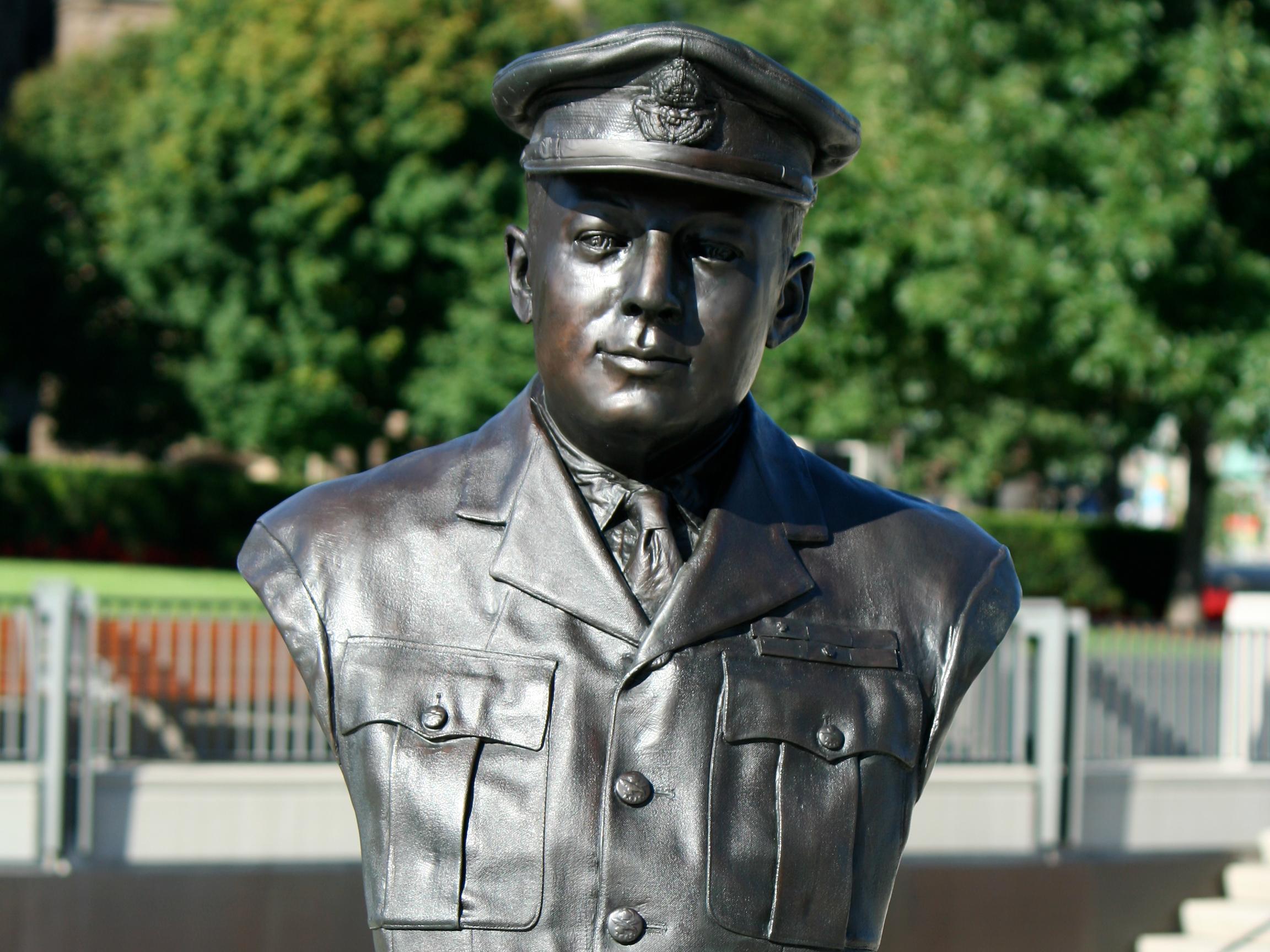 Buste de Mynarski